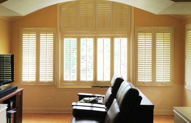 Indianapolis plantation shutters in entertainment room