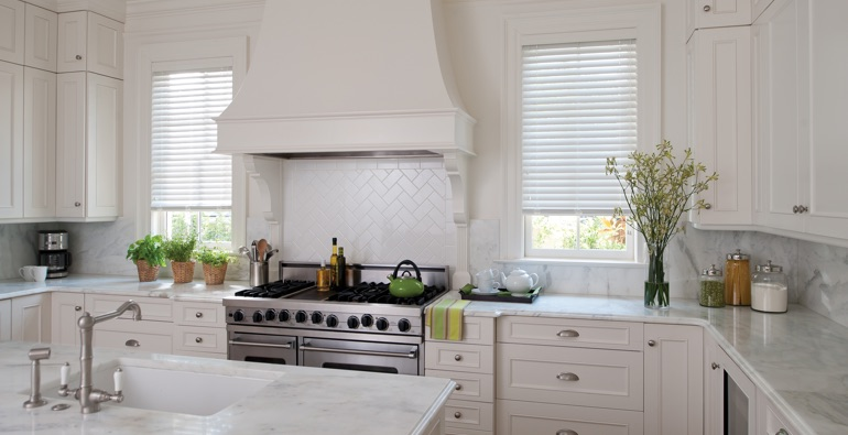 Indianapolis kitchen white blinds
