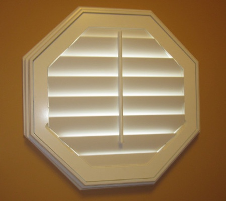 Indianapolis octagon window with white shutter