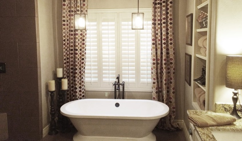 Polywood Shutters in Indianapolis Bathroom