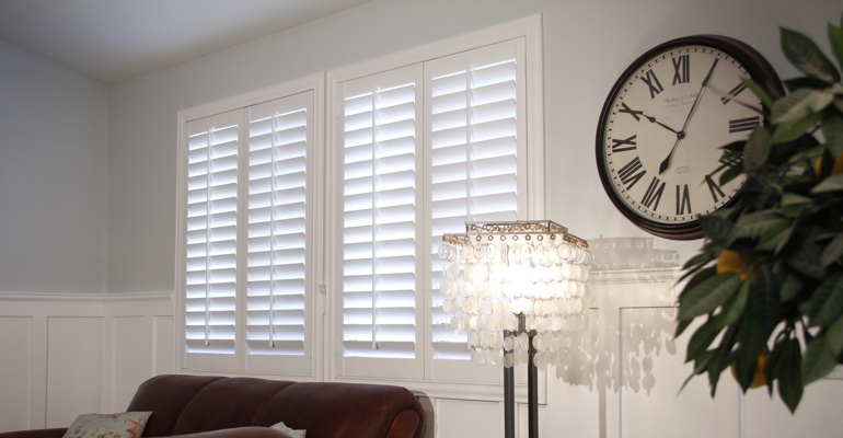 Indianapolis living room indoor shutters