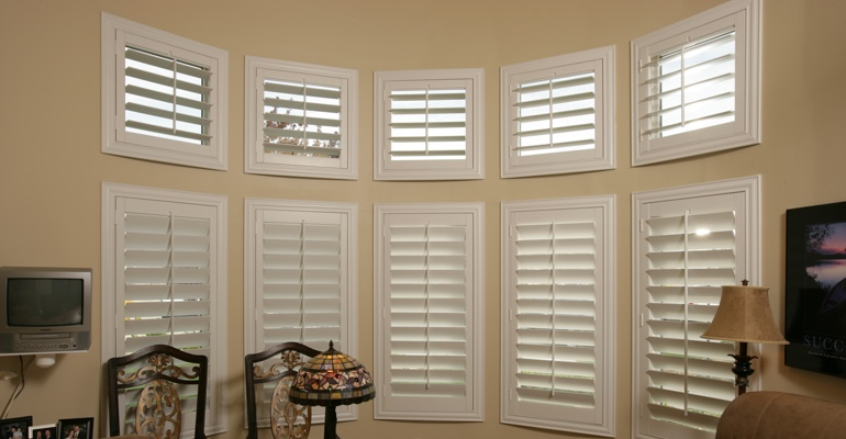 Bay window shutters Indianapolis home office