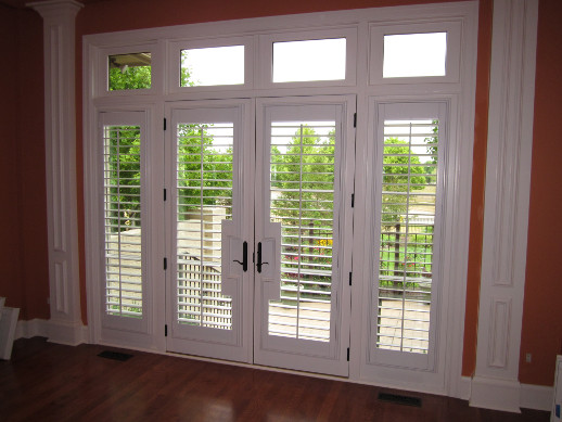 Indianapolis Patio Door With Sidelight Shutters