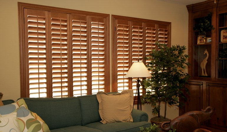 How To Clean Wood Shutters In Indianapolis, IN