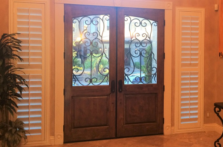Sidelight window shutters in Indianapolis entryway